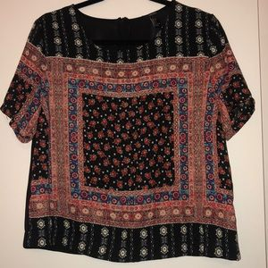 Forever 21 Printed Short Sleeve Blouse Size L